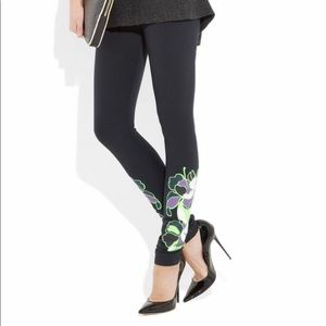 LES CHIFFONIERS  Neon Floral Print Black Leggings